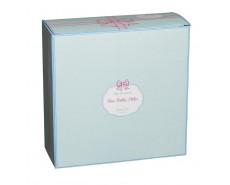 Produkt pakowny jest w kolorowe pudełko idealne na prezent
