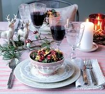 Nakrycie stołu na Święta - czego nie powinno zabraknąć na Boże Narodzenie?