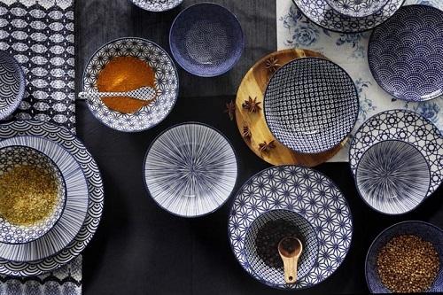 Jak dbać o porcelanowe naczynia – poradnik