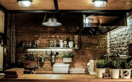 Kuchnia industrialna – jak dobrać do niej dodatki i zastawę?